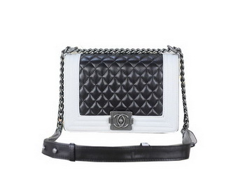 Boy Chanel Flap Shoulder Bag Sheepskin Leather A67025 Black White 28f7d5e8784